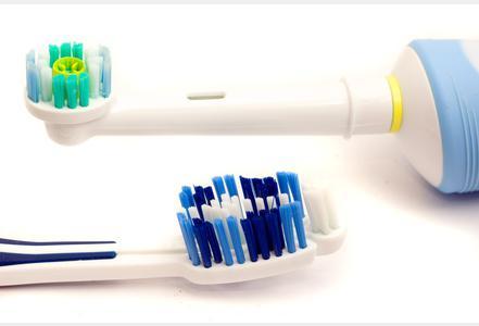 Brosses à dent mécaniques